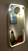 3_miroir_eclairant_resine_design_meublesetlumieres.jpg