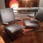Paire de fauteuils en acier chromé et tissu Kvadrat