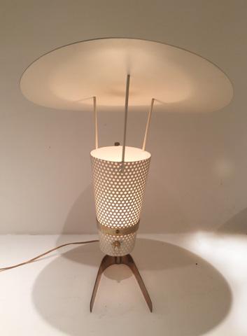 Lampe_modele_135_de_Jacques_Biny_3.jpg