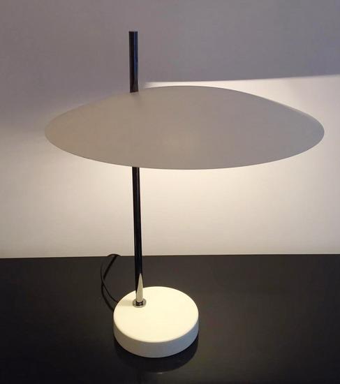 2_lampe_de_bureau_de_Pierre_Disderot_edition_disderot_galerie_meubles_et_lumieres.jpg