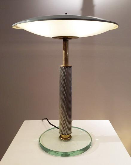 2_lampe_pietro_chiesa_fontana_arte_galerie_meubles_et_lumieres.jpg