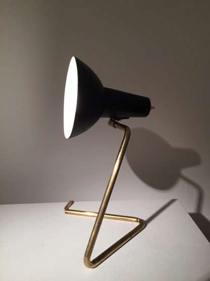 petite lampe de gino sarfatti. Black Bedroom Furniture Sets. Home Design Ideas
