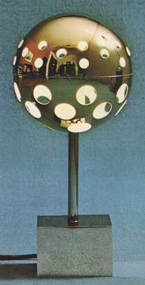 z-Lampe-modele-10367-de-Sabine-Charoy.jpg