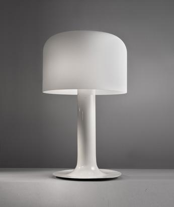 Lampe_blanche_modele_10497_de_MIchel_Mortier.jpg