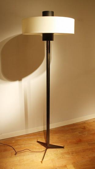 1_lampadaire_arlus_galerie_meubles_et_lumieres.jpg