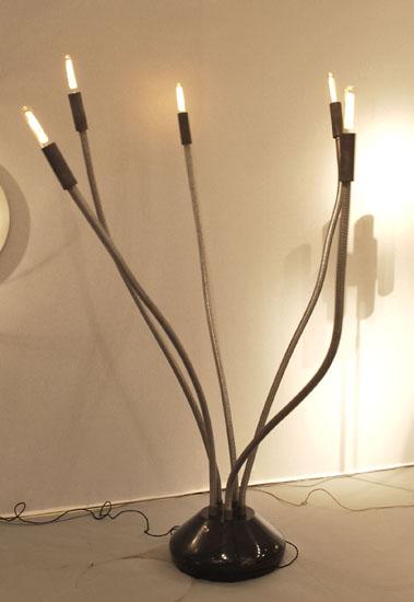 1_grand_lampadaire_italien_annees_70_meubles_et_lumieres.jpg