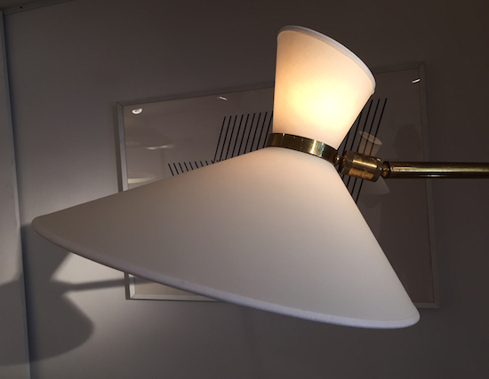 4_lampadaire_jacques_biny_laiton_plastique_design_meublesetlumieres.jpg