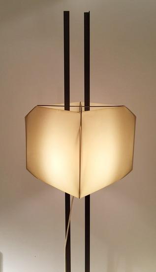 4_lampadaire_Bruno_munari_edition_Danese_galerie_meubles_et_lumieres.jpg
