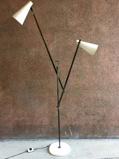 buzzi-franco-lampadaire-1950-design-italien-galerie-meublesetlumieres-paris-2.jpg