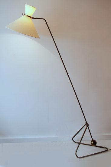 1-robert-mathieu-lampadaire-balancier-galerie-meubles-et-lumieres.jpg