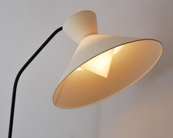 3_robert_mathieu_lampadaire_1950_double_abat_jour_galerie_meubles_et_lumieres.jpg