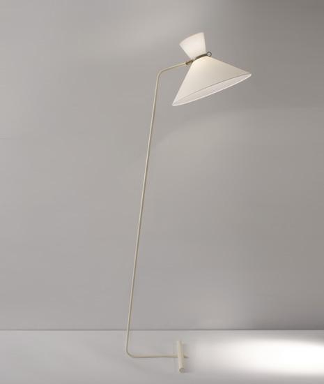 mathieu_lampadaire_lacque_blanc_base_contrepoids_1950_design_meublesetlumieres_1.jpg