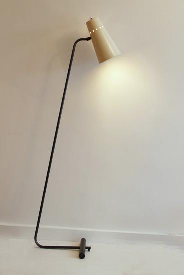 1-robert-mathieu-liseuse-galerie-meubles-et-lumieres.jpg