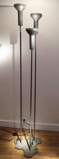 1_serie_de_trois_lampadaires_Gino_Sarfatti_Galerie_Meubles_et_Lumieres.jpg
