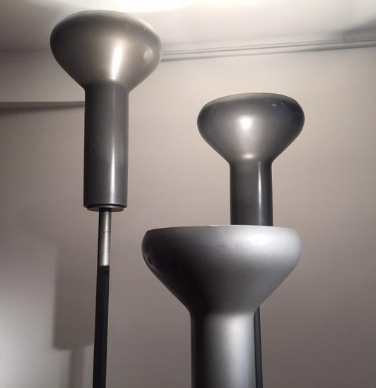 2_serie_de_trois_lampadaires_Gino_Sarfatti_Galerie_Meubles_et_Lumieres.jpg
