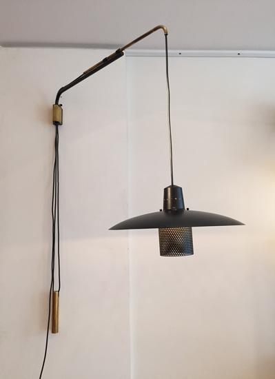 biny-applique-potence-noire-contrepoids-luminaire-1950-galerie-meublesetlumieres-paris-2.jpg
