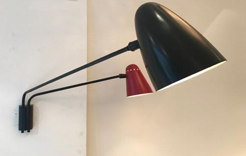 applique double bras noire et rouge de robert mathieu. Black Bedroom Furniture Sets. Home Design Ideas