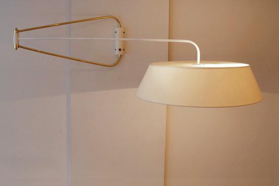 applique double bras laqu e blanc de robert mathieu. Black Bedroom Furniture Sets. Home Design Ideas