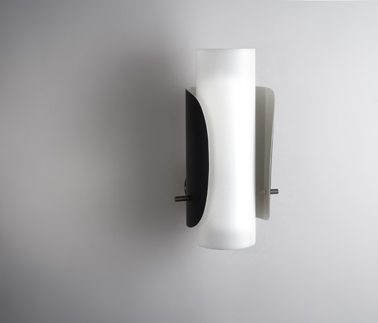 mathieu_applique_tube_perpex_metal_lacque_1960_design_meublesetlumieres_1.jpg