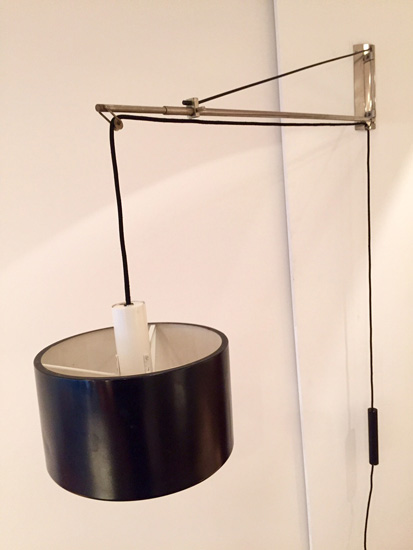 applique potence de gaetano sciolari. Black Bedroom Furniture Sets. Home Design Ideas