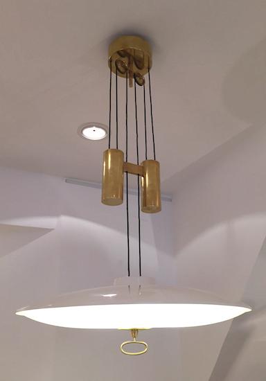 1_lustre_max_ingrand_fontana_arte_contrepoids_design_meubles_et_lumieres.jpg