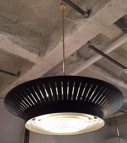 2_paire_de_grands_suspensions_Louis_Kalff_galerie_meubles_et_lumieres.jpg