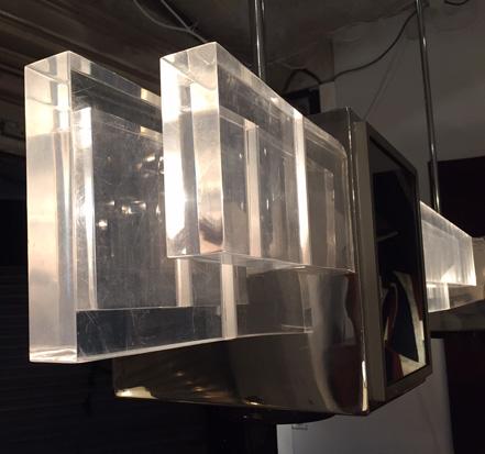 petti-sandro-suspension-plexiglas-italie-1970-design-galeriemeublesetlumieres-paris-3.jpg