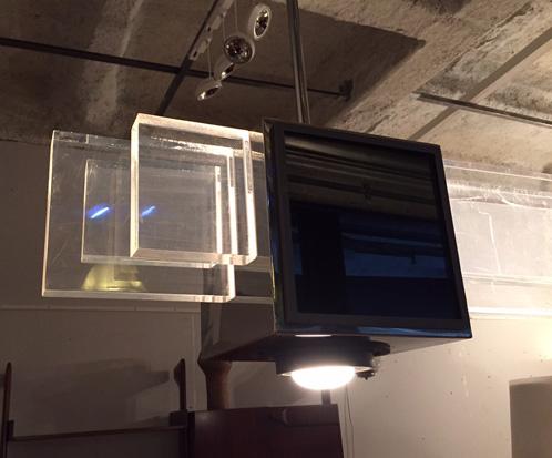 petti-sandro-suspension-plexiglas-italie-1970-design-galeriemeublesetlumieres-paris-4.jpg