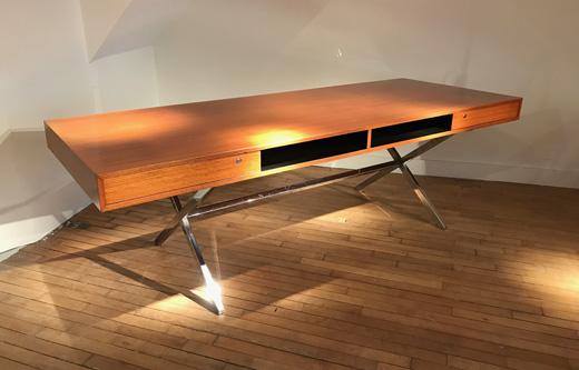 grand bureau president de pierre guariche. Black Bedroom Furniture Sets. Home Design Ideas