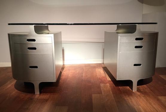 1_bureau_travail_francais_aluminium_brosse_verre_1970_design_meublesetlumieres.jpg