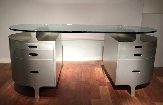 2_bureau_travail_francais_aluminium_brosse_verre_1970_design_meublesetlumieres.jpg