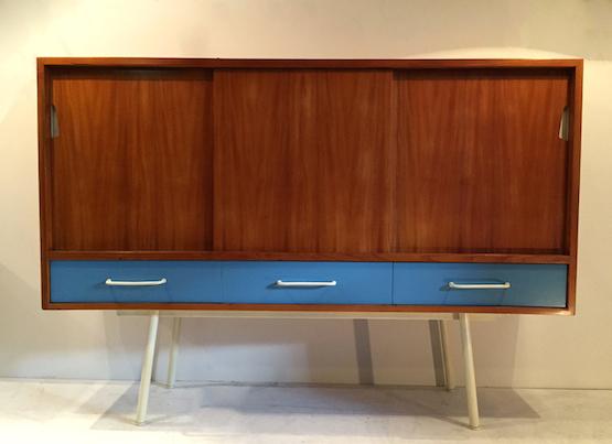 1_meuble_abraham_bleu_design_meublesetlumieres.jpg