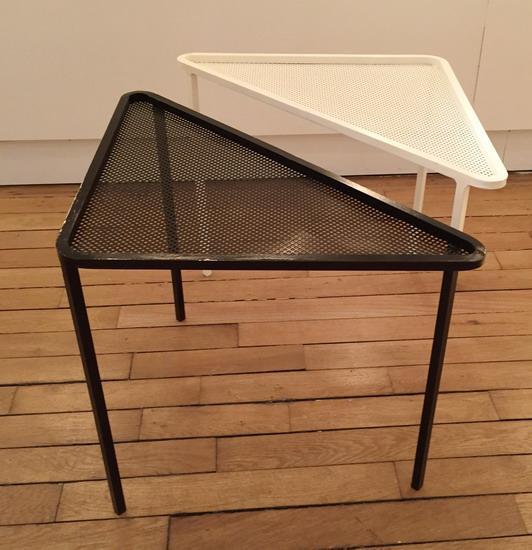 3_paire_de_petites_tables_mathieu_mategot_galerie_meubles_et_lumieres.jpg