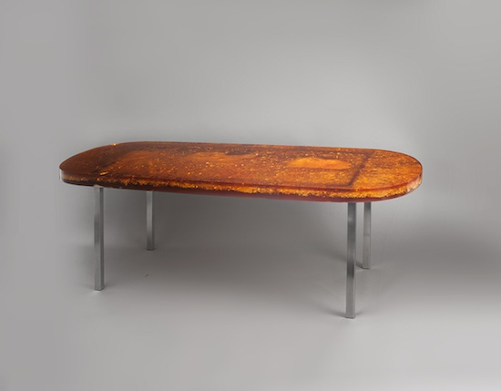 1_table_defouquieres_resine_orange_design_1950_meublesetlumieres_pad.jpg