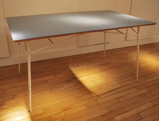 1_table_henri_lancel_pour_primavera_meubles_et_lumieres.jpg