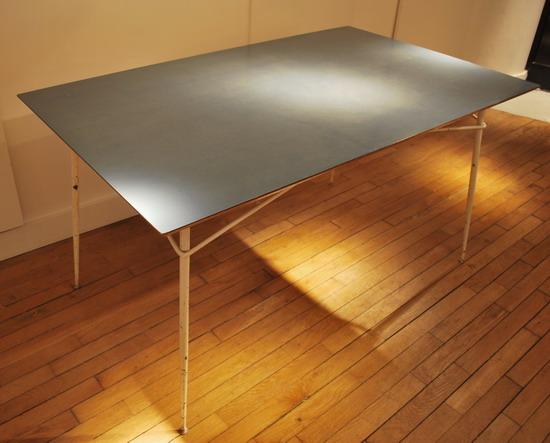 2_table_henri_lancel_pour_primavera_meubles_et_lumieres.jpg