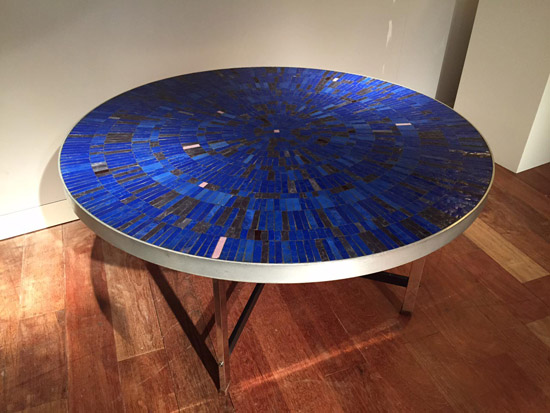 table_ceramique_bleue_galerie_meublesetlumieres_paris_1.jpg