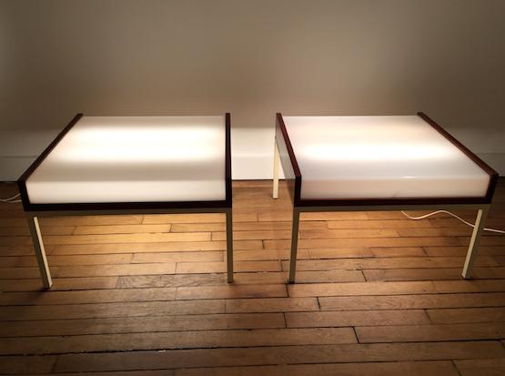 1_tables_basses_eclairantes_baillon_acajou_perspex_design_galerie_meublesetlumieres.jpg