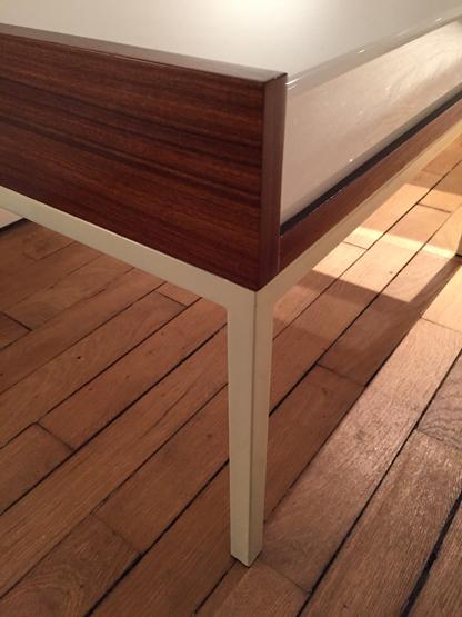 5_tables_basses_eclairantes_baillon_acajou_perspex_design_galerie_meublesetlumieres.jpg