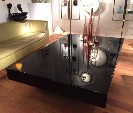 grande table basse ann es 70 laqu e noir. Black Bedroom Furniture Sets. Home Design Ideas