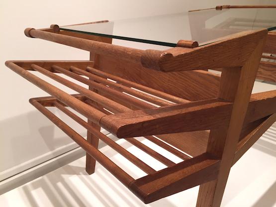 4_table_basse_systeme_porte-revue_maxime_old_design_galerie_meubles_et_lumieres.jpg