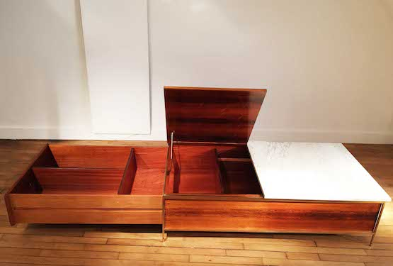 3_table_basse_a_systeme_Paul_McCobb_Mobilier_International_palissandre_Okoume_laiton_acajou_marbre_design_meublesetlumieres.jpg