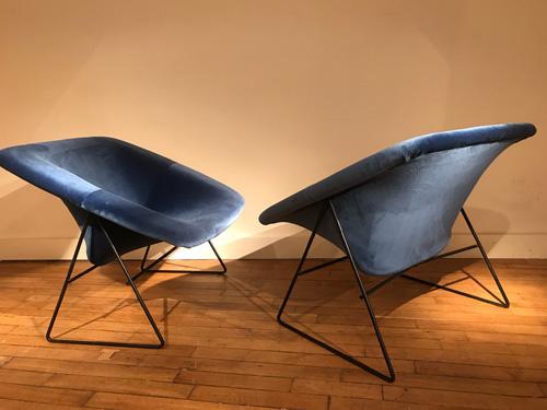 Paire_fauteuils_bleu_corb_ARP_1.jpg