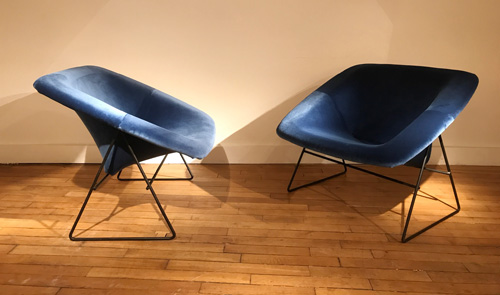 Paire_fauteuils_bleu_corb_ARP_2.jpg