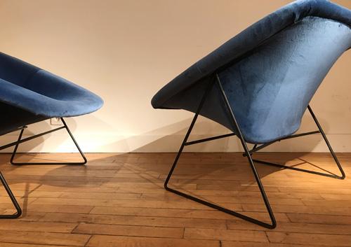 Paire_fauteuils_bleu_corb_ARP_5.jpg