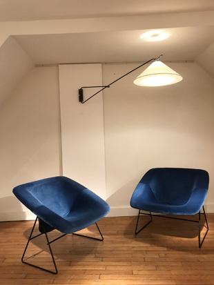 Paire_fauteuils_bleu_corb_ARP_6.jpg