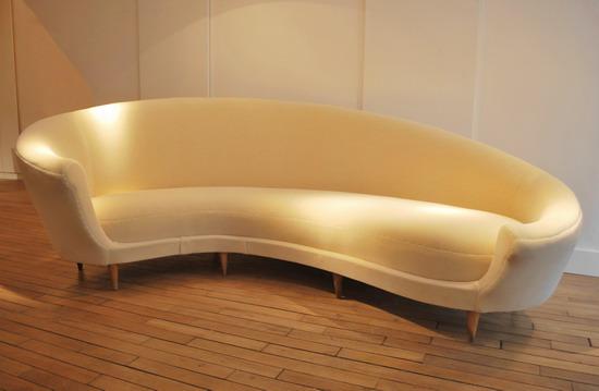 federico-munari-canape-1950-galerie-meubles-et-lumieres-1-1.jpg
