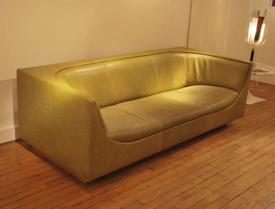 1_canape_jorge_salszupin_meubles_et_lumieres.jpg