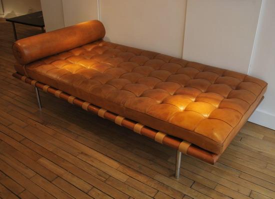 mies_van_der_rohe_barcelona_knoll_galerie_meubles_et_lumieres_3.jpg