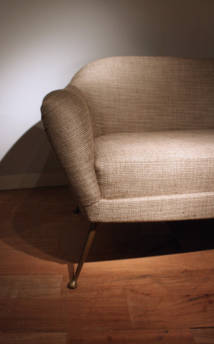 canap italien en tissu pierre frey. Black Bedroom Furniture Sets. Home Design Ideas